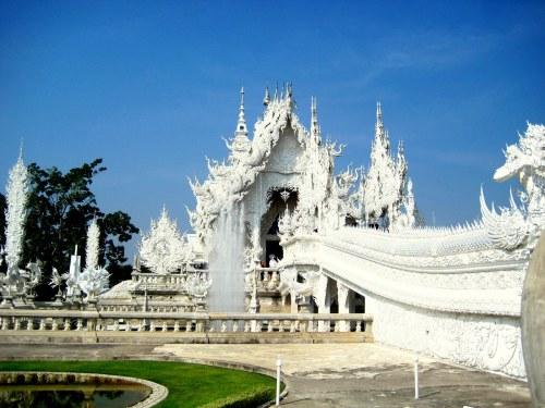 White Temple bridge